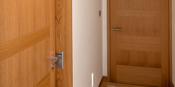 Shadcore_veneered_doors_specification_clauses