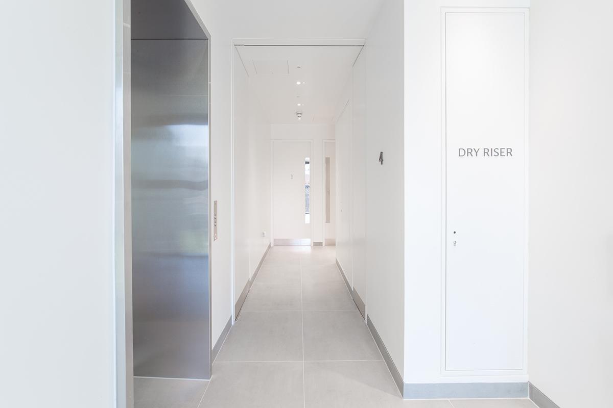 Shadbolt_One_Seymour_Street_lift_hallway