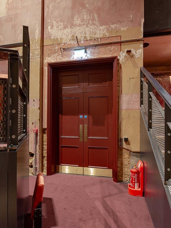 Shadbolt_Alexandra_Palace_Theatre_interior-5