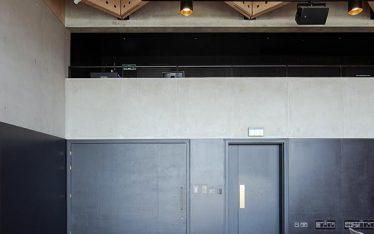 Shadbolt_Perse_School_interior_painted_doors