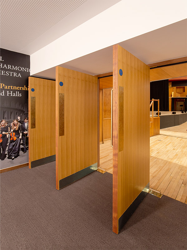 Shadbolt_Fairfield_Halls_Veneered_entrance_doors_to_auditorium