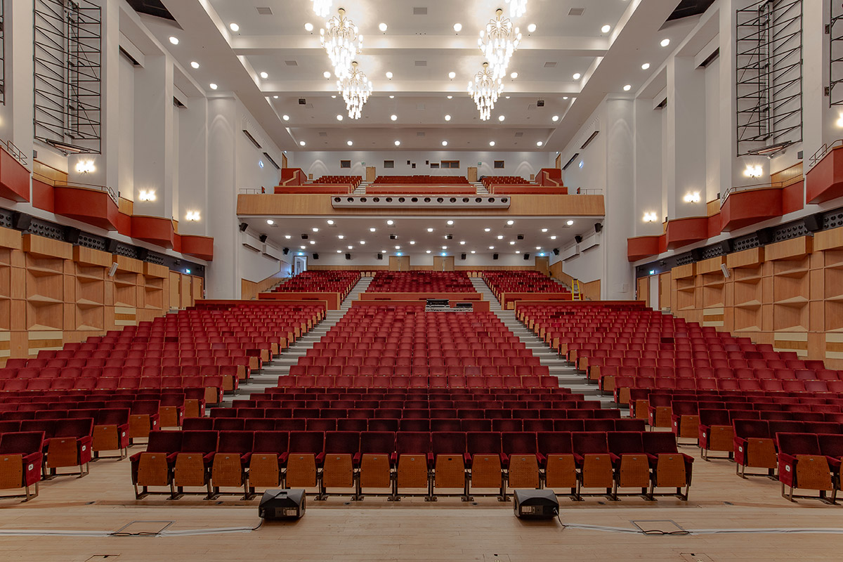 Shadbolt_Fairfield_Halls_auditorium